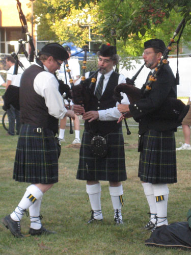 Bagpipes in 2009